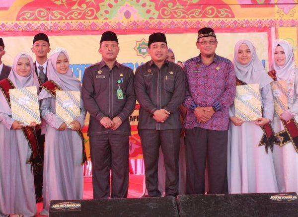 Pacu Siswa Tingkatkan Hafalannya, Kepala MAN 1 Lampung Timur Komit Hanya Wisuda Yang Hafal Diatas 3 Juz